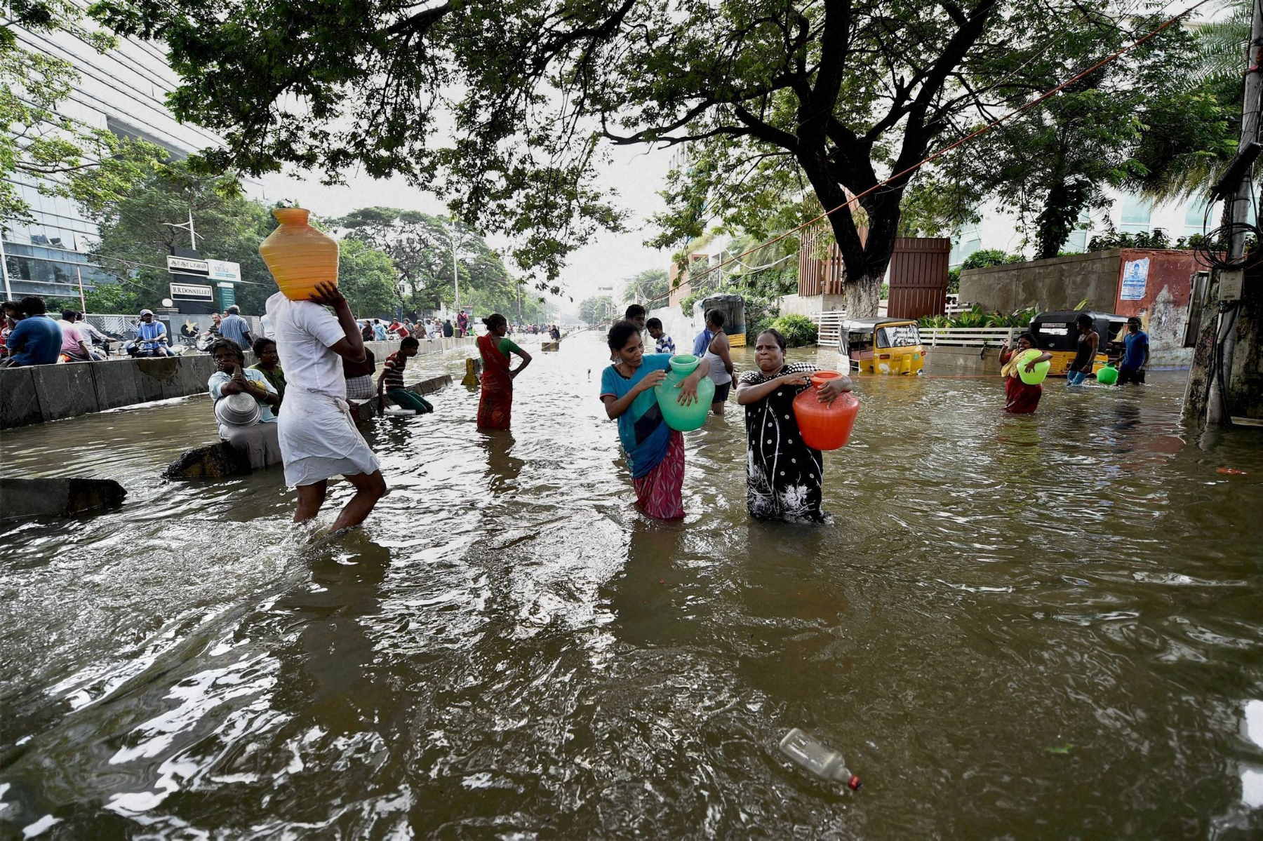 Chennai picks up pieces of life