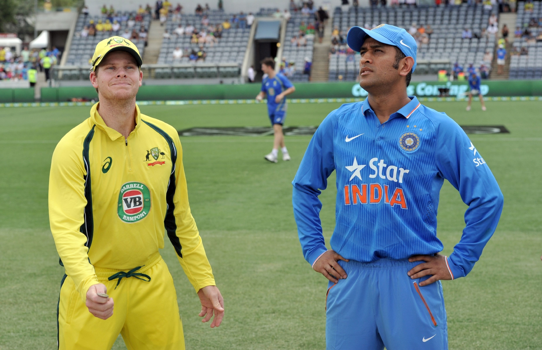Dhoni is still most suitable for job: Hussey