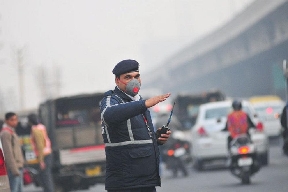 Delhi Govt announces emergency steps to check air pollution