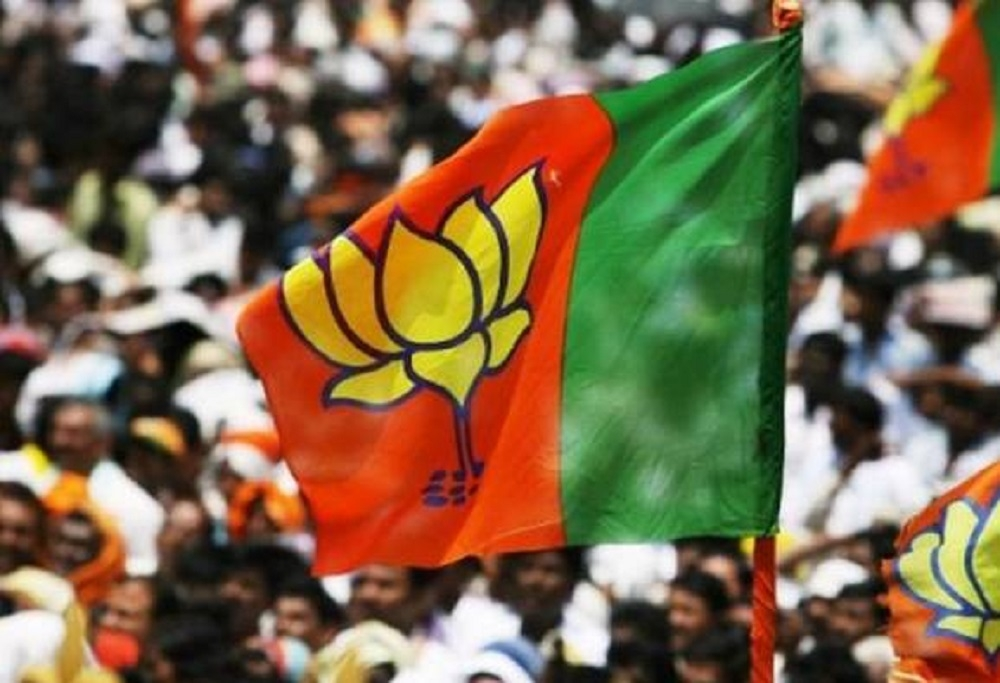 Riding demonetisation, BJP may go for early Guj polls