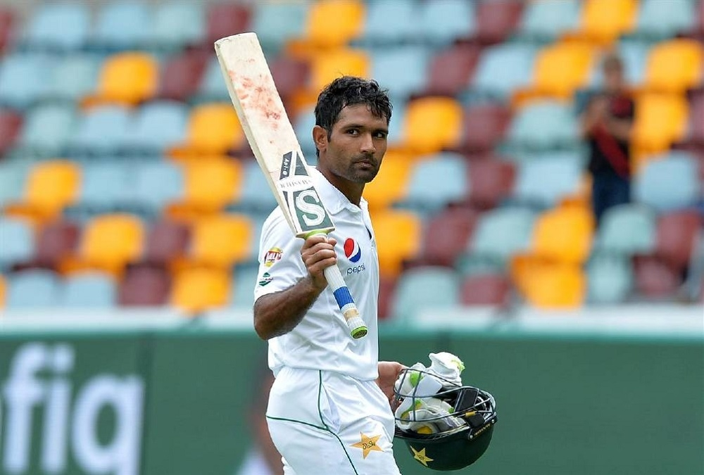 Brilliant Shafiq gives Australia huge fright