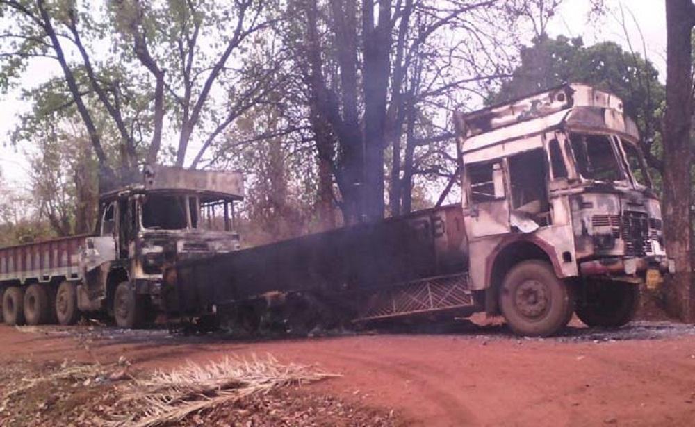 Naxalites burn 50 vehicles in Gadchiroli