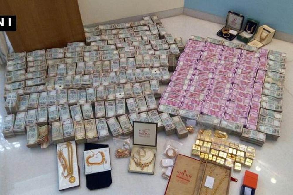DRI seizes Rs 2.60 crore cash, 95 kg gold, silver in Noida SEZ