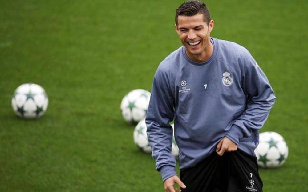 Ronaldo rejects 300 million euro move to China: Agent