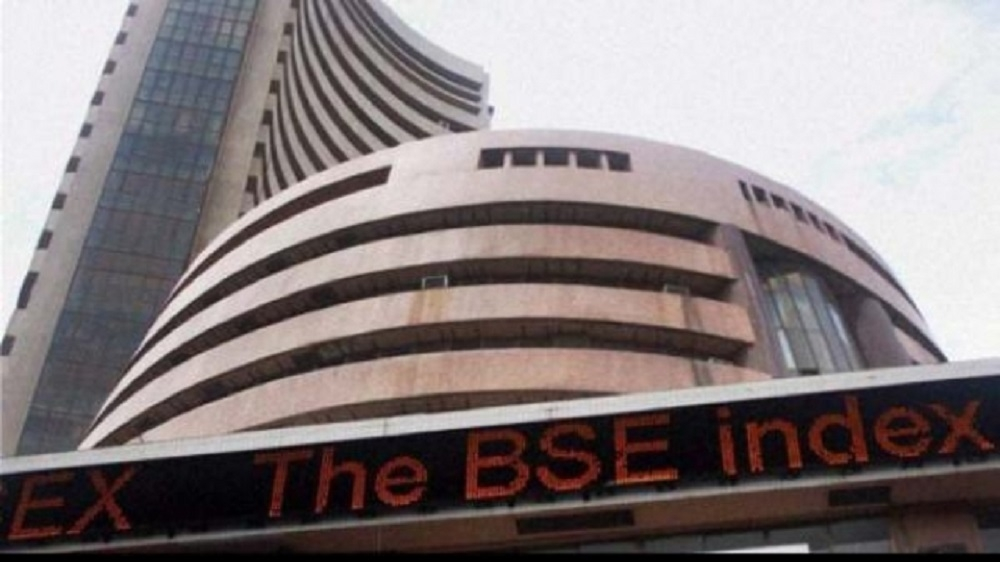 Sensex ends volatile 2016 on robust note, sprints 260 pts