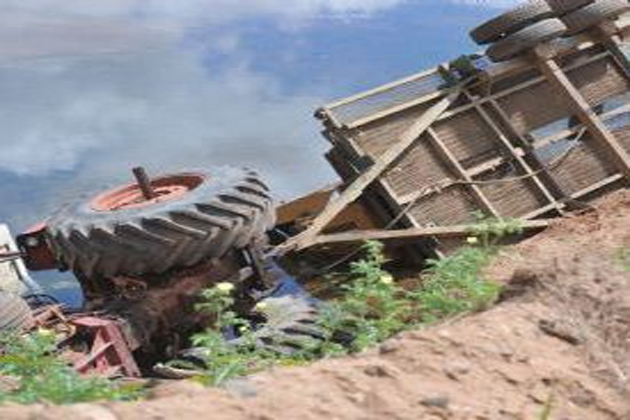 Man dies as tractor overturns at Kolar