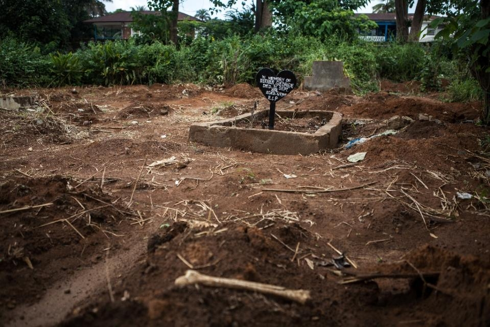 Robbers dig hundreds of graves in Sierra Leone for coffins, jewellery