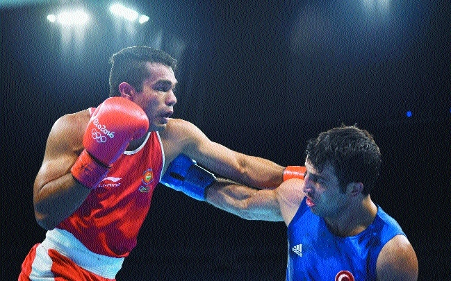 Boxer Vikas Krishan a win away from medal, enters QF