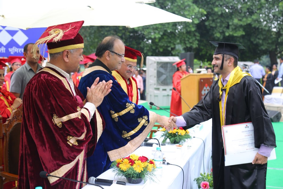 Arun Jaitley gives degree to a student on the occasion of convocation of NIFM in Faridabad