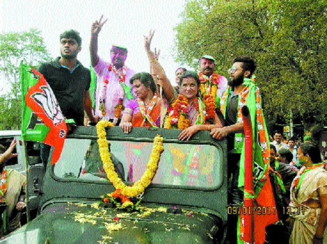 BJP retains bastion, gets jolt in Kamptee