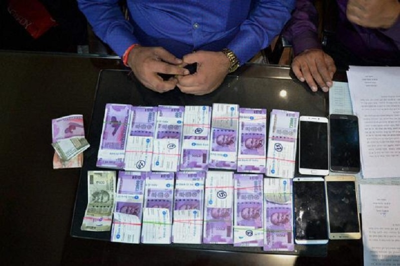 Two arrested for printing and circulating fake notes