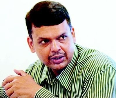 Fadnavis refutes talk of moving to Centre