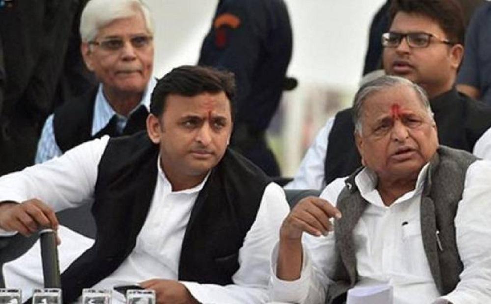 Mulayam, Akhilesh continue efforts to claim SP ownership