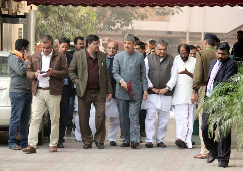 Oppn meets EC, demands Budget to be deferred after State polls