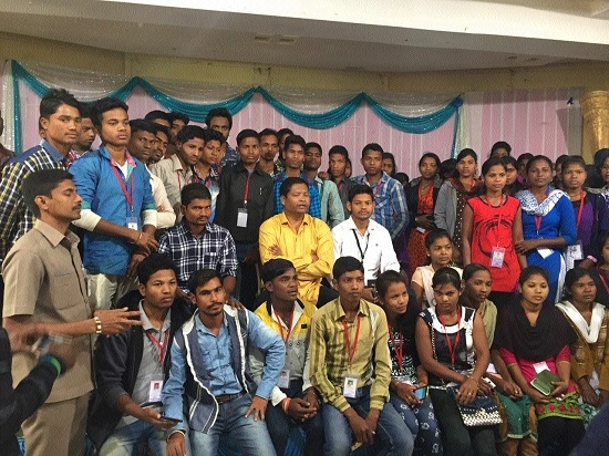 Students from Naxal-affected distt go on education tour to Hyderabad