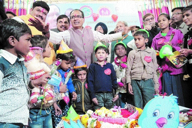 No poor will be deprived of medical treatment in State: Chouhan