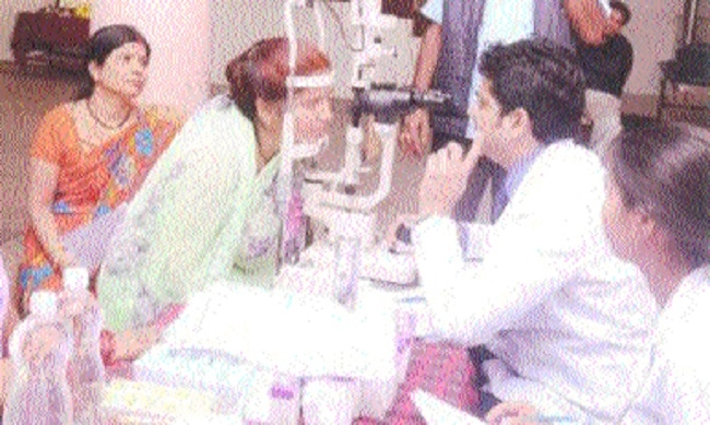 Free cataract eye check-up camp organised at Maharashtrian Teli Samaj