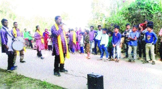 Artists of Rachana Institute begin public awareness campaign