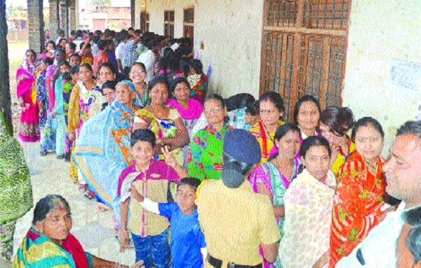 67.36 % polling in 11 municipal councils in Nagpur, Gondia distts