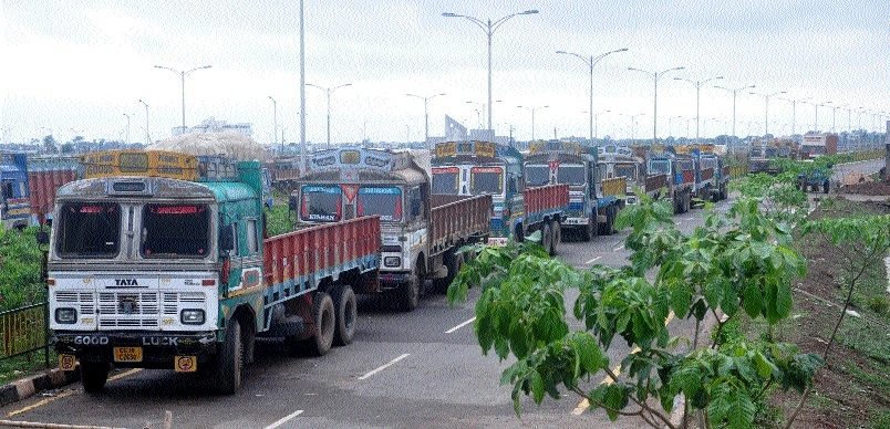 3 lakh truckers remain off roads across C'garh