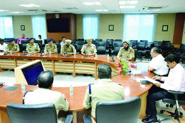 Two-day tour of 13 IPS officers ends, officials call on DGP Shukla