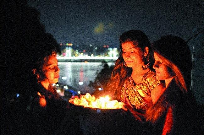 Girls observe 'Roop Choudas'