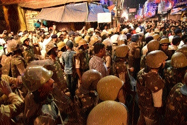 Prompt action of senior officers ensures peace during processions in Kotwali area