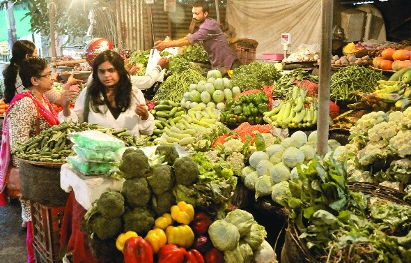 Short supply pushes up prices of green vegetables