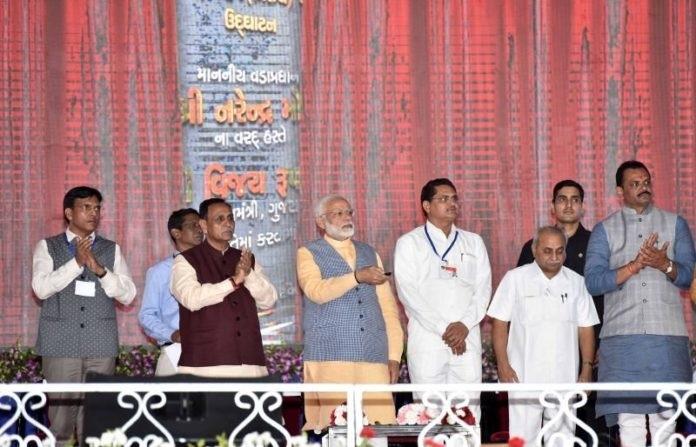 Modi inaugurates Rs 650 cr ferry service in Gujarat