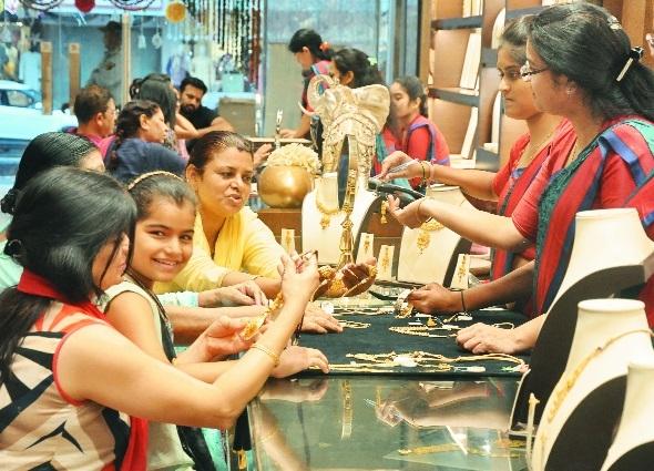Big jewellery outlets witness good demand during Diwali festive season