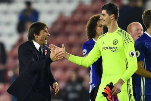 Chelsea players will fight for Conte: Courtois