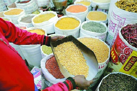 Pulses prices tank to 10-year low in wholesale market