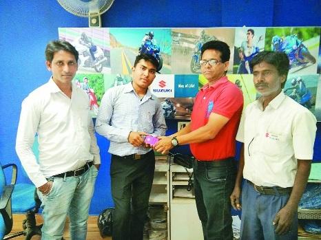 Shubham Balang wins gold coin at Nangia Suzuki