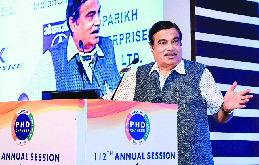 Electronic major keen to invest Rs 6,000 cr at JNPT SEZ: Gadkari