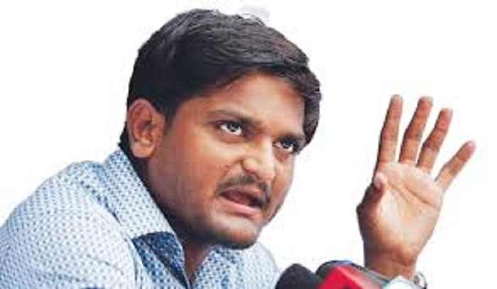 Make stand clear on Patel quota: Hardik to Congress