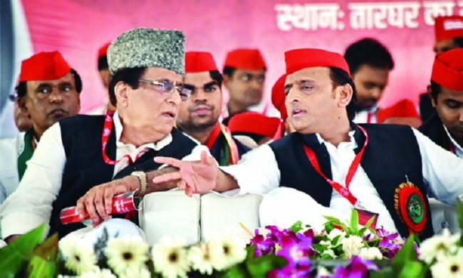 Akhilesh re-elected SP chief for 5-yr term