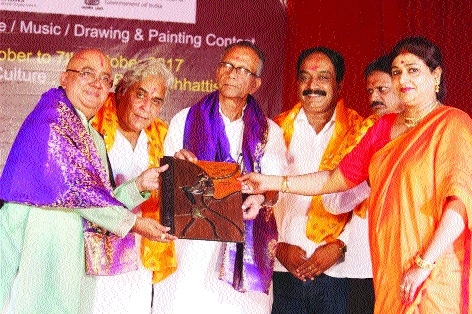 Deepak Majumdar captivates audience on 5th day of 'Bharat Sanskritik Mahotsav