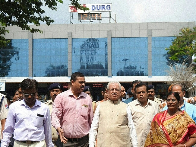 SECR's Passenger Amenities Committee of Rly board inspects Durg Station