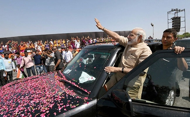 Modi holds roadshow on first visit to his birthplace Vadnagar
