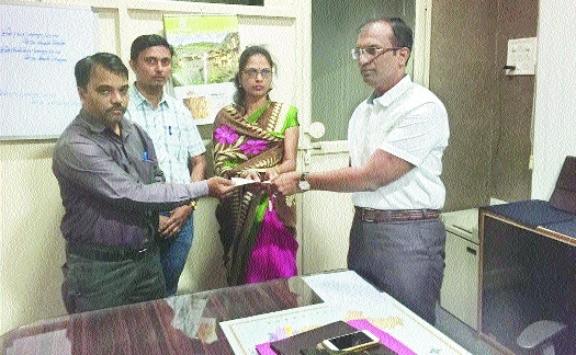 ACB staff extends financial help to NPC Kedar's widow