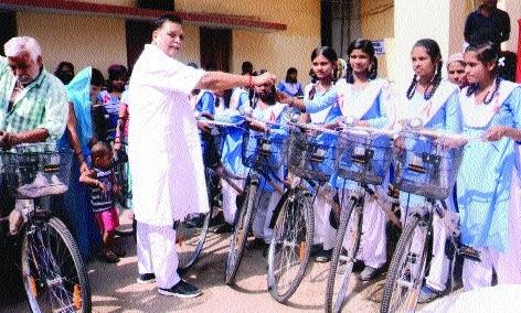 MLA distributes bicycles to students under 'Saraswati Cycle Yojna'