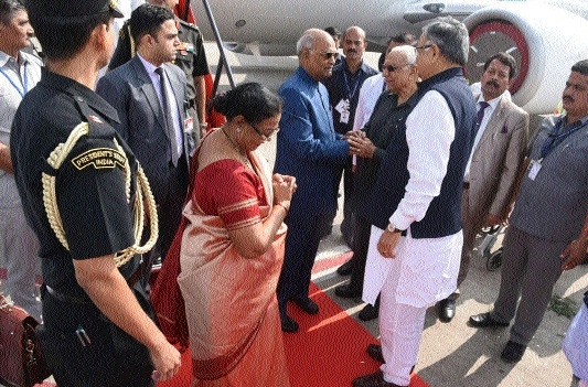 Kovind visits Raipur 2nd time in a week; Governor, CM accord him warm welcome