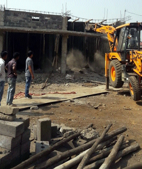 RMC razes two illegal structures