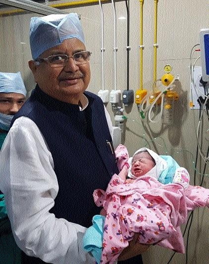 Abhishek-Aishwarya blessed with baby girl