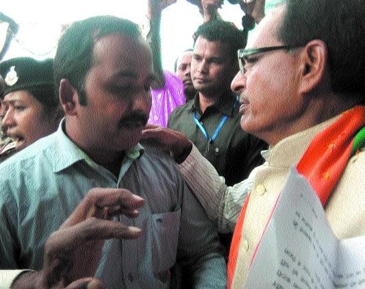 BKS members meet CM, submit memo regarding rates of sugarcane