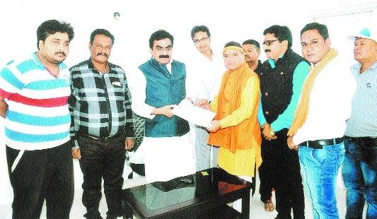 HDS members submit memo to MP Rakesh Singh