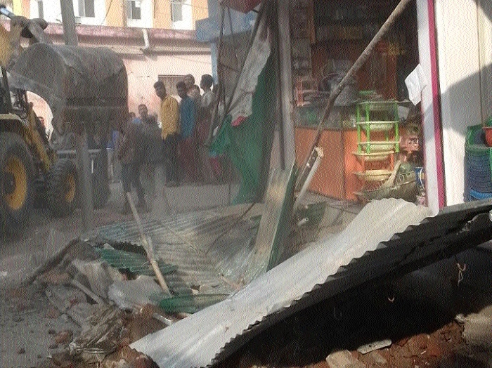 Anti-encroachment drive in Garha