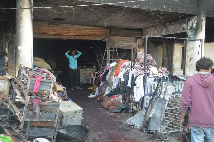 Property worth lakhs gutted in fire near Dashmesh Dwar