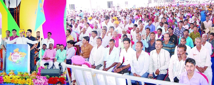 Farmers must not fall in any one's trap: CM