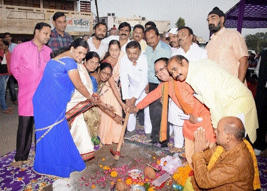 Bhoomipujan performed for Sneh Nagar Link Road